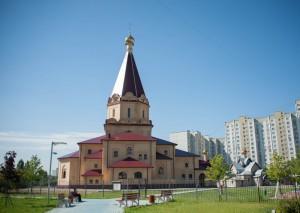 Храм Усекновения главы Иоанна Предтечи в районе Братеево