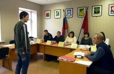 Перед заседанием призывной комиссии будущие солдаты проходили тестирование на профпригодность