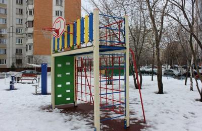 Площадка на территории района Братеево