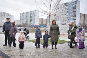 Родители с детьми в районе Братеево