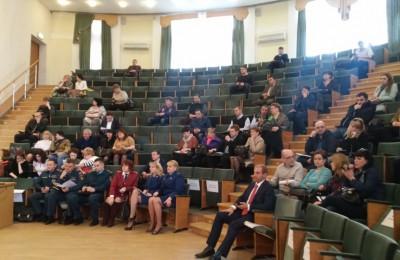 Жители района Братеево участвуют в выборах в Общественный совет при Департаменте образования Москвы