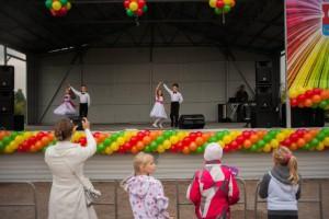 Жители района Братеево на празднике