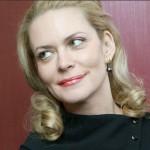 Народная артистка России Алена Яковлева принимает участие в акции Моя Победа, которая стартовала в ЮАО Москвы