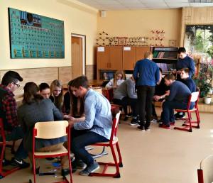Школьники района Братеево приняли участие в бизнес-игре