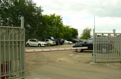 Автомобильная парковка в районе Братеево