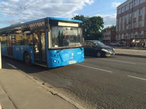Автобус нового образца в Москве