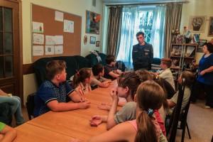 Дети района Братеево на уроке мужества