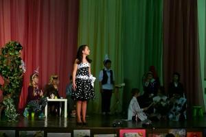 Юная жительница района Братеево читает стихи