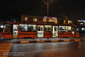"""Трамвай у станции метро """"Коломенское"""""""