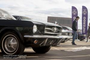 Выставка ретро-автомобилей в Парке Легенд