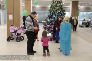 Префектура Южного округа для детей и взрослых организовала благотворительный праздник в одном из торговых центров на Каширском шоссе