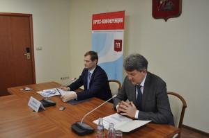 На фото слева председатель Москомстройинвеста Константин Тимофеев