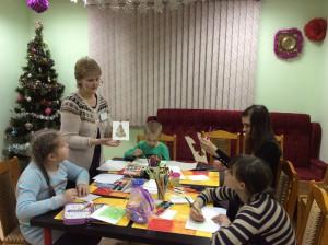 Юные жители района Братеево на мастер-классе в библиотеке на Ключевой