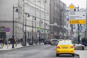 Единые стандарты работы такси в Москве снизили среднюю цену поездки