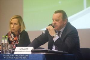 Префект ЮАО Алексей Челышев на встрече с жителями округа