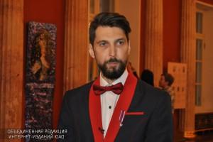 Греческий скульптор Никос Флорос