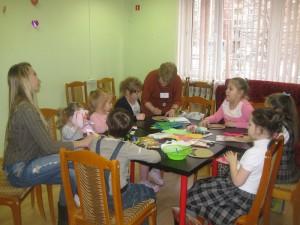 Юные жители Братеева на мероприятии в библиотеке на Ключевой