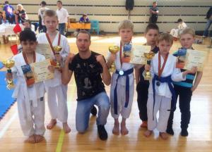 Участники чемпионата по карате в районе Братеево