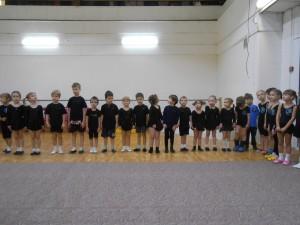 Юные спортсмены выступили на соревнованиях по акробатике