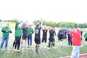 Учителя и родители Зеленограда сыграли в футбол с представителями межрайонных школьных советов