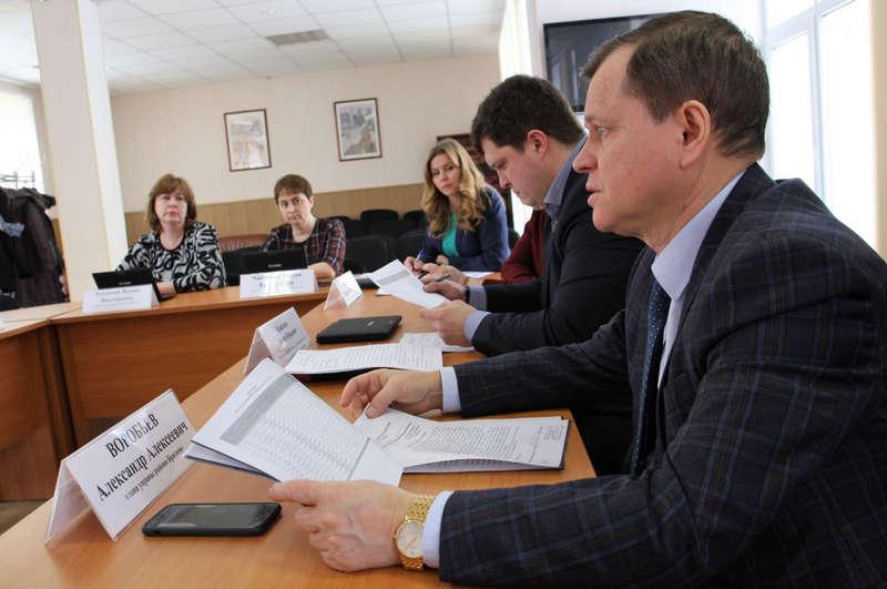Совет депутатов обсудил свое участие в комиссии по контролю за ремонтными работами в жилых домах
